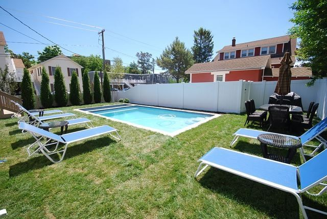 Swimming Pool - 32 Olive Ave