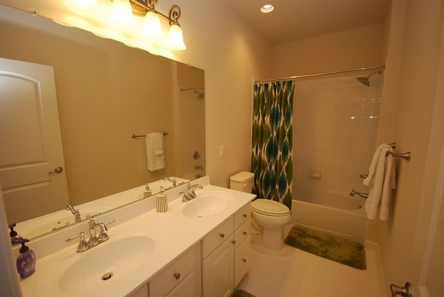 Bathroom 2 - 37483 Liverpool Dr
