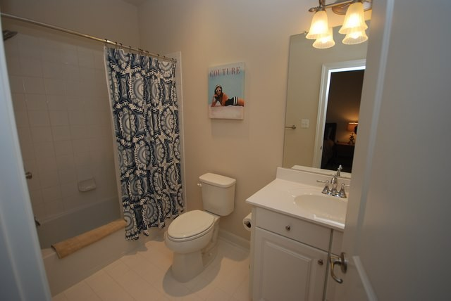 Bathroom 3 - 37483 Liverpool Dr