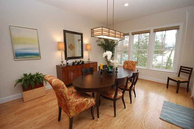 Dining Room - 37483 Liverpool Dr