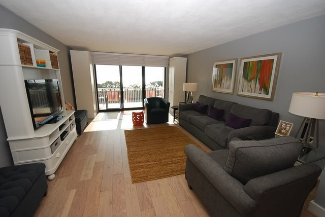 Living Room - 2 Virginia Ave #201