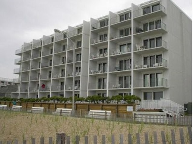 Front Boardwalk - 2 Virginia Ave #511