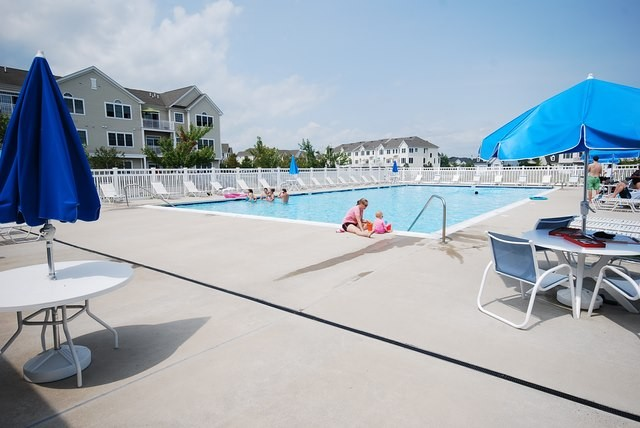 Community Pool 2 - Grande at Canal Pointe