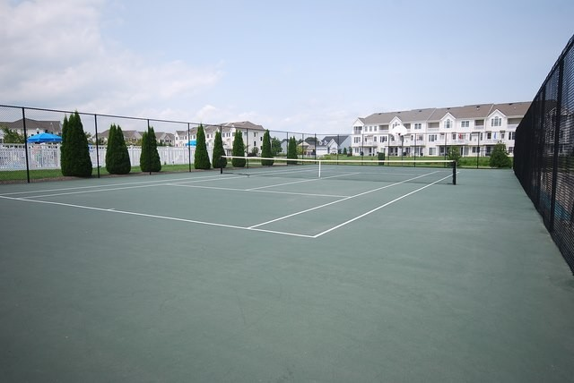 Community Tennis Court - Grande at Canal Pointe