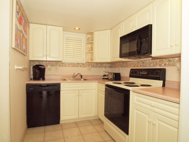 Kitchen - 307 South Boardwalk #703
